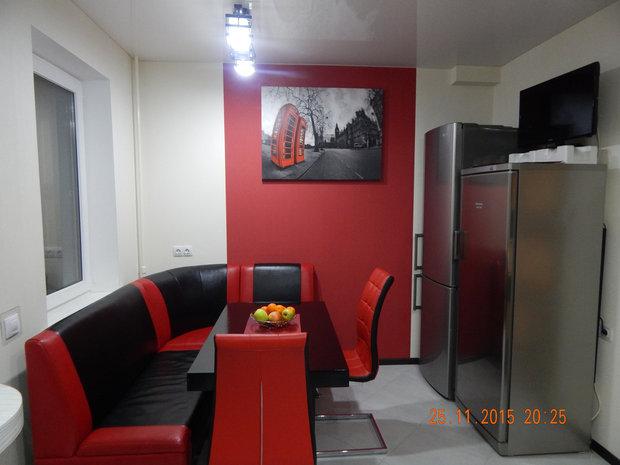 Черная кухня со светодиодной подсветкой