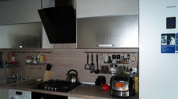 серебристая кухня