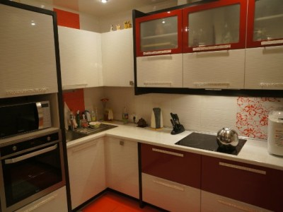 "Кухня Модерн с фасадами SIDAK ""Рифт"" + ВХЦ ""Рубин глянец"""