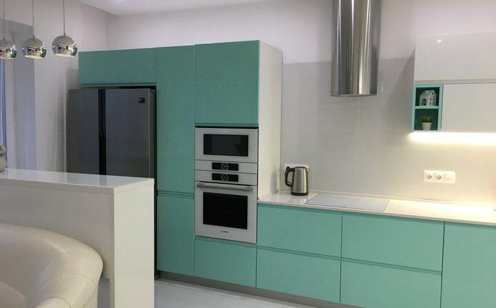 Кухня-гостиная: практичное решение
