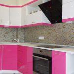 "Кухня с крашенными фасадами ""Розовый глянец"""