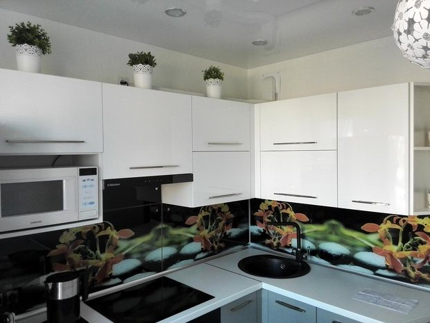 Серо-белая кухня + скинали