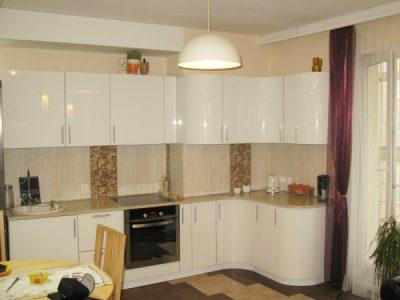 "Кухня с крашенными фасадами ""Белый глянец"""
