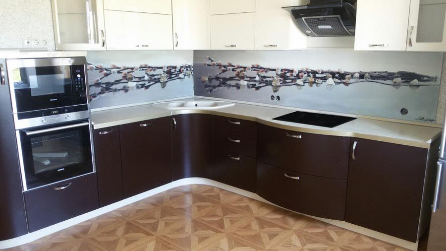 """Кухня с крашенными фасадами """"Крем-Шоколад"""""""