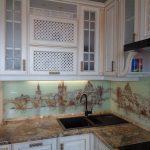 """Кухня с фасадами """"Барселона-К3"""" (ВХЦ), белое дерево, золотое устарение"""
