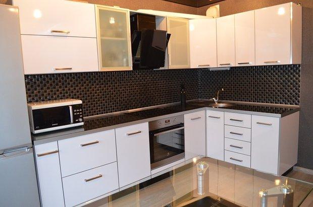 белый кухонный гарнитур
