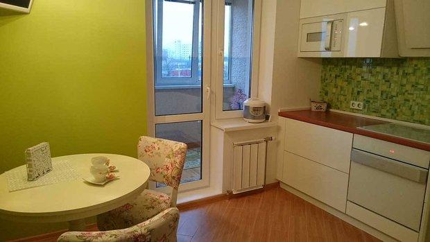 зеленый интерьер кухни