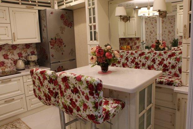 розы на кухне