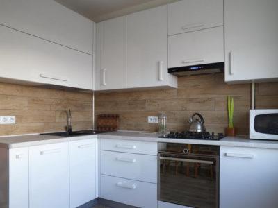 Кухня с фасадами ДСП Egger T901