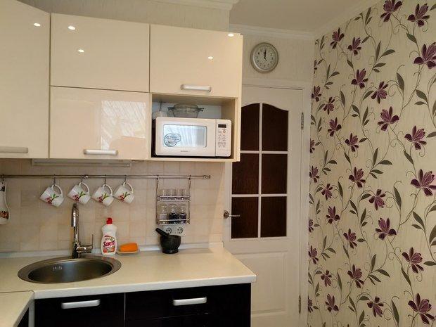 белые двери кухня