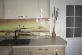 "Кухня с крашенными фасадами ""Бежевый глянец"""