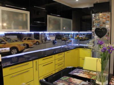 Оригинальная лимонно-черная кухня