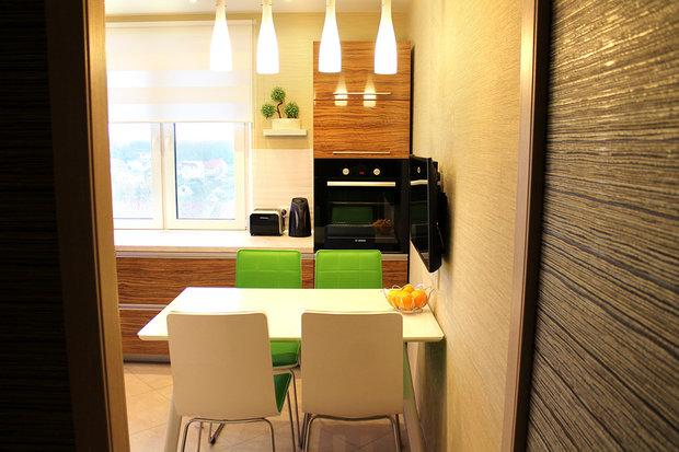 зеленые стулья в кухне