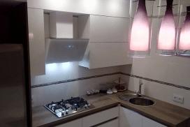Кухня Белый Акрил с интегрированными ручками