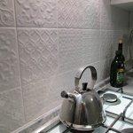 Классическая белая кухня с пленочными фасадами