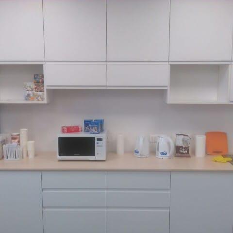 Кухня в офисе АО «Лаборатория Касперского»