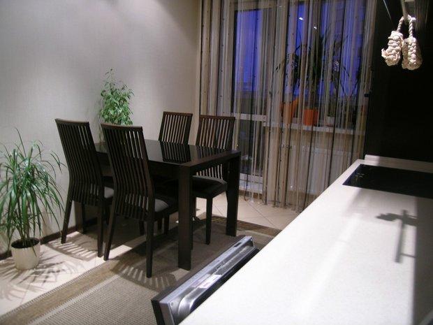 Кухня с рамочными фасадами цвета Венге
