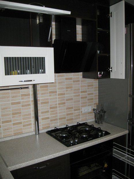 Оригинальный откидной стол в кухне на 6 кв.м.