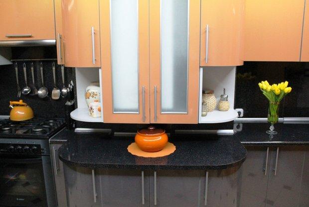 Оригинальная оранжевая кухня