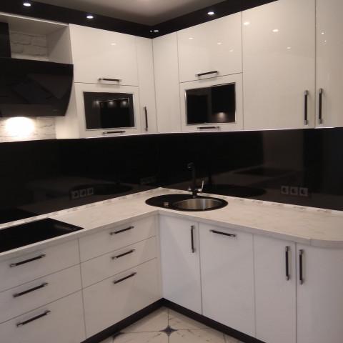 Кухня Аделькрайс Белый Жасмин