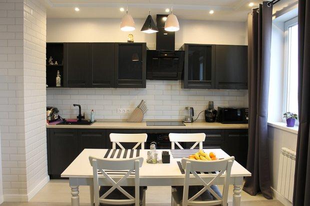 Темно-серая кухня из шпона в стиле Модерн
